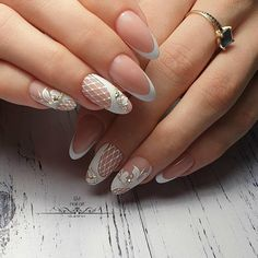 What Christmas manicure to choose for a festive mood - My Nails Glam Nails, Fancy Nails, Nail Manicure, Pink Nails, Pretty Nails, Elegant Nail Designs, Gel Nail Designs, Toe Nail Art, Toe Nails