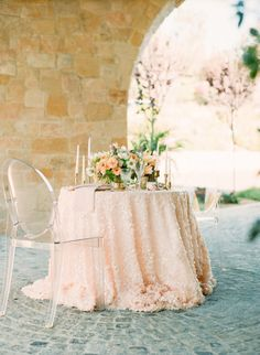 Sweetheart table with blush linens and ghost chairs - Photography: Carmen Santorelli Photography - carmensantorellistudio.com