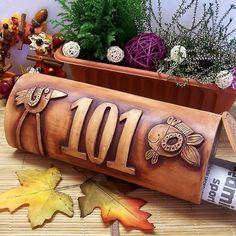 keramická poštovní schránka Ceramic Pottery, Zentangle, Shapes, Inspiration, Pottery Studio, House Numbers, Creative, Quotes, Biblical Inspiration