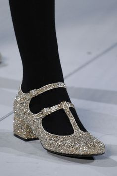 WWW.BelExplores.org ❥❥❥❥❥❥❥❥❥❥❥❥❥❥❥❥❥❥❥❥❥❥❥❥❥❥❥  YSL Fab-u-lous!!! YSL Saint Laurent Gold Silver Glitter Mary Jane's YSL if I had a pair of these, I promise wouldn't take em off even to sleep! This is what I call my style of Cinderella Janes! Size 36 please.  St Laurent Autumn 2014