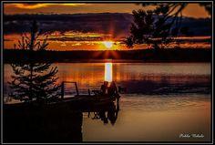 A sunset by the lake Kiantajärvi in Suomussalmi.