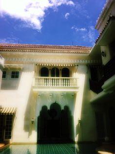 Blue sky above Rumah maroko
