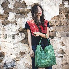 48 horas de trabajo se resumen en esta hermosa bolsa Balandra que te enamorará con todos sus detalles hechos a mano😍  Disponible en nuestra tienda en línea:  http://bixiawotan.com.mx/?s=balandra&post_type=product  Aprovecha este mes con envío totalmente gratis a cualquier lugar de México y 3 meses sin intereses con tarjeta de crédito.😉 ¿QUÉ DICE TU CORAZÓN? #hechoenmexico #pasion #meencanta #design #handbags #woman #moda #handcrafted #oneofakind #leathergoods