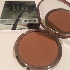 NEW URBAN DECAY- beached bronzer - color bronzed New - authentic- no trades Urban Decay Makeup Bronzer