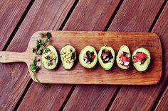 Avocado Salad 3 Ways. I love avocado! I Love Food, Good Food, Yummy Food, Healthy Snacks, Healthy Eating, Vegetarian Recipes, Healthy Recipes, Detox Recipes, Le Diner