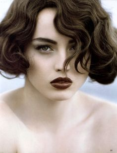 Finger Waves on Brunette Hair.
