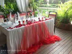 MARIAGE EN ROUGE ET BLANC Apricot Wedding, Red Wedding, Rustic Wedding, Wedding Flowers, Wedding Table Decorations, Wedding Centerpieces, Mauritius Wedding, Chocolate Decorations, Paper Flowers Diy