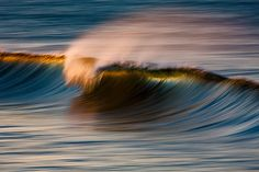 Long exposure pictures of waves, by David Orias.