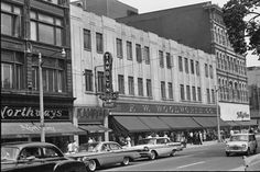 I worked at this Woolworth store when I was a teenager! Old Pictures, Old Photos, Vintage Photos, Hamilton Ontario Canada, Ogden Utah, Historical Pictures, Countries Of The World, Places To Visit, Street View