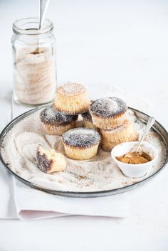 ginger beer cupcakes with cinnamon sugar