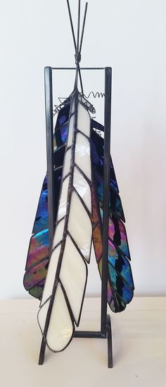 Everything made of Glass Modern Stained Glass, Stained Glass Birds, Stained Glass Suncatchers, Stained Glass Designs, Stained Glass Panels, Stained Glass Projects, Fused Glass Art, Stained Glass Patterns, Mosaic Glass