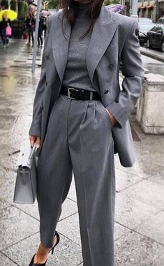 Blazer / Street Style / Fashion Week - Edeline Ca. - Oversized blazer / street style / fashion week – -Oversized Blazer / Street Style / Fashion Week - Edeline Ca. Blazer Fashion, Suit Fashion, Work Fashion, Fashion Outfits, Fashion Women, Fashion Clothes, Fashion Trends, Fashion Ideas, Classic Womens Fashion