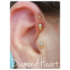 Double forward helix with two solid 14k gold pieces #diamondheartstudios #doublehelix #doubleforwardhelix #anatometal #sabrina #bvla #goldbodyjewelry #gold #yellowgold #finebodyjewelry #opal #tragus #earpiercings #piercingsofinstagram #girlswithpiercings #appmember #safepiercing #nj #hunterdoncounty