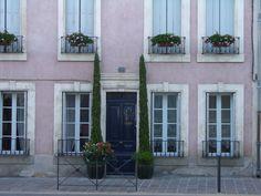 French architecture. €40,00, via Etsy.