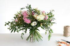 DIY -kimppu. Tee itse kukkakimppu - katso ohjeet. Floral Wreath, Wreaths, Table Decorations, Home Decor, Homemade Home Decor, Door Wreaths, Deco Mesh Wreaths, Garlands, Floral Arrangements