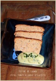 Terrine de saumon, citron, tomate & piment d'espelette