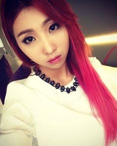 Loved Minzy's red/pink hair!!! Plz bring it back!!!!!