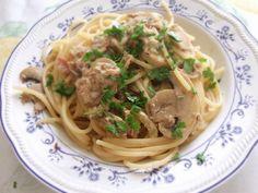 Un versione insolita per gli spaghetti alla carrettiera, arricchiti con funghi e tonno e guanciale. una bontà