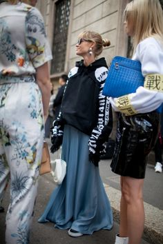 Street style at Milan Fashion Week Spring 2017 | @vestirelalma