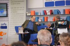 Umberto Eco im Gespräch mit Wolfgang Herles Umberto Eco, Sofa, Blue, Settee, Couch, Couches