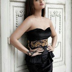 Sonakshi Sinha looks royal in the black tube dress Sonakshi Sinha Saree, Sonam Kapoor, Priyanka Chopra, Deepika Padukone, Bollywood Actress Hot Photos, Beautiful Bollywood Actress, Bollywood Fashion, Indian Bollywood, Bollywood Saree