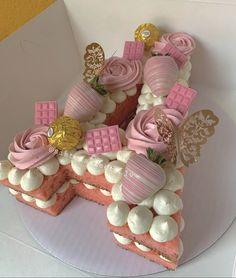 Elegant Birthday Cakes, Beautiful Birthday Cakes, Beautiful Cakes, Amazing Cakes, Pretty Cakes, Cute Cakes, Yummy Cakes, Birthday Cake Decorating, Cake Decorating Tips