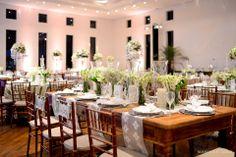 Decoração de casamento em tons de branco e verde. Decoração: Edilayne Ferraz | Foto: Rejane Wolff