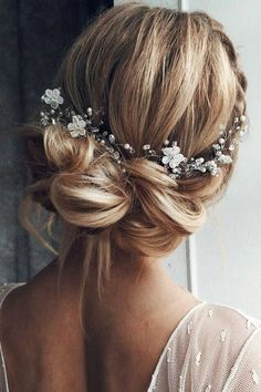 See bridal coiffure instance quick hair pictures picture Wedding Hair And Makeup, Wedding Beauty, Hair Wedding, Hairstyle Wedding, Chignon Updo Wedding, Wedding Up Do, Wedding Gifts, Bridal Makeup, Trendy Wedding