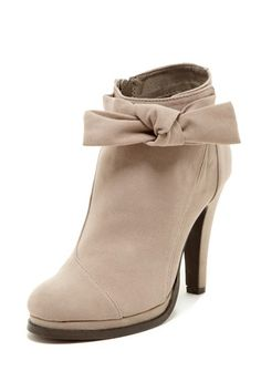 Restricted Penelope Bow Bootie//