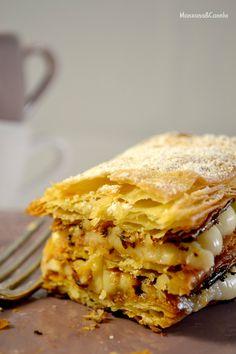 Milhojas de hojaldre casero con crema pastelera.