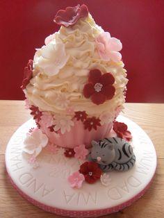 beautiful giant cupcakes | 21st Birthday Cupcake