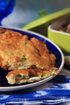 cod cakes with rice and beans (pataniscas de bacalhau com arroz de feijão)