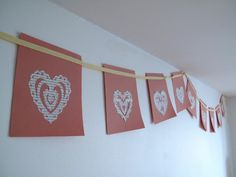 Valentines day paper crafts: Paper bunting