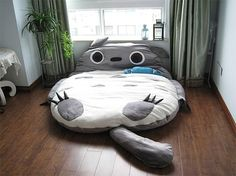 Totoro bed - omg want!