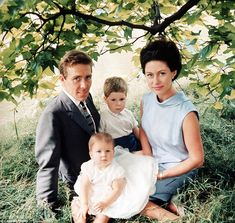 The late British royal Princess Margaret sister to Queen Elizabeth, and photographer husband Antony Armstrong-Jones, the Earl of Snowdon, pictured in 1965 with their children Viscount David Linley and Lady Sarah Armstrong-Jones, now Lady Sarah Chatto Princesa Margaret, Lady Sarah Chatto, Prinz Philip, Prinz William, English Royal Family, British Royal Families, Windsor, Lady Diana, Lady Sarah Armstrong Jones