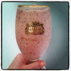 Mango and blueberry smoothie for breakfast yummmmyyy :) Stella Artois, Breakfast Smoothies, Wine Glass, Blueberry, Mango, Tableware, Manga, Berry, Dinnerware