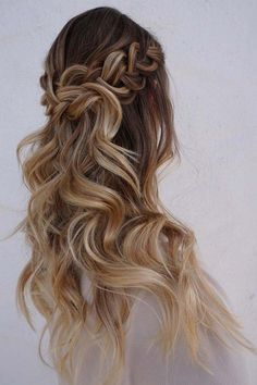 half up half down wedding hairstyles via heidimariegarrett 2