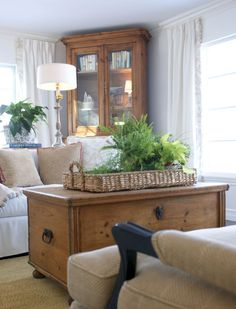 9 Valuable Clever Ideas: Vintage Home Decor Kitchen Barn Doors vintage home decor inspiration lights.Vintage Home Decor Victorian Chairs vintage home decor romantic inspiration.Vintage Home Decor Ideas Furniture. French Country Bedrooms, French Country Living Room, French Country Decorating, French Cottage, Country French, Cottage Decorating, Vintage Country, French Country Coffee Table, Cottage Style Living Room