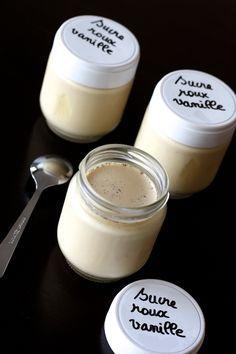 Si vous hésitez encore à faire vos yaourts au lait demi-écrémé, c'est le moment de changer d'avis :-) Ces yaourts sont vraiment délicieux! Certes pas aussi fermes que ceux au lait entier, mais crémeux et parfumés, comme je les aime... et sans lait en poudre! Pour 7 yaour