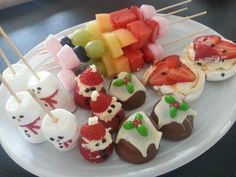 Christmas Treats! Marshmellow Snowmen, Strawberry Santas, Choc-Mellow Biscuit puddings, Mini Pavlovas & Rainbow fruit sticks!!