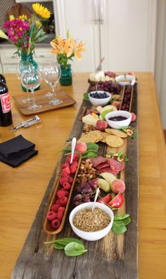 Repurposed Barn Wood - Meat and Cheese Serving Tray for Ente.- Repurposed Barn Wood – Meat and Cheese Serving Tray for Entertaining repurposed barn wood meat and cheese serving tray for entertaining - Meat And Cheese Tray, Wine Cheese, Food Platters, Cheese Platters, Fete Audrey, Tapas, Appetizer Recipes, Appetizers, Picnic Recipes