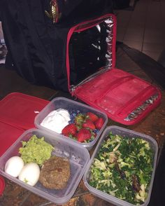 I still #love my @6packbags #backpack!!! Today's #meals...#yogurt & berries #hardboiled #eggs - homemade #guacamole & #burger (stuffed with #manchegoCheese #sundriedTomatoes #greenOnions) plus sautéed #kale & #cabbage. #OnTheWagon #EatWell #FuelTheMachine  @coachkimmie