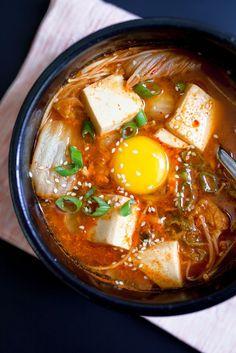 Korean Kimchi Tofu Soup Tofu Recipes, Asian Recipes, Vegetarian Recipes, Cooking Recipes, Healthy Recipes, Healthy Dinners, Chili Recipes, Diet Recipes, Healthy Food