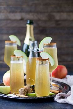 Easy 2 ingredient Apple Cider Mimosas – you'll love this fall twist on a classic mimosa. These Apple Cider Mimosas are the perfect bubbly cocktail to start off your holidays! Apple Cider Cocktail, Cider Cocktails, Prosecco Cocktails, Fruity Cocktails, Bacardi Cocktail, Coffee Cocktails, Champagne Cocktail, Refreshing Drinks, Pina Colada
