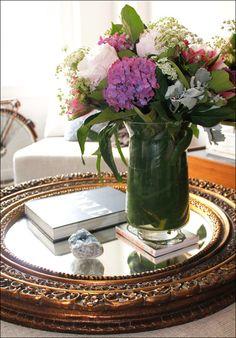 Lush arrangement on mirror _ #Home #Décor #Floral #Mirror