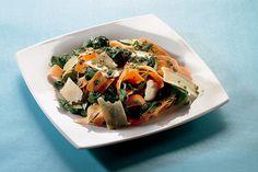 Carote in insalata con crescione e scaglie di grana