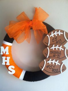 Customized Yarn Team/Football/Sports Wreath by JLovesJess on Etsy, $20.00 Wreath Crafts, Diy Wreath, Yarn Crafts, White Wreath, Wreath Ideas, Football Crafts, Football Wreath, Sports Wreaths, Mesh Wreaths