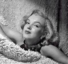 "littleglimpseofgorgeous: ""Marilyn Monroe, Photographed by Anthony Beauchamp, 1951 """