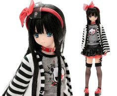 Does this girl know how to rock or what?! Very cute Yuzuha Sarah's a la Mode Azone Doll - Rock'n Girl