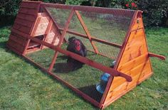 Chicken Tractor Gallery compiled by Katy ~ The City Chicken. Does anyone know of plans for this?